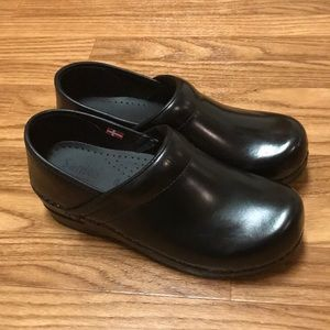 Sanita Nurse Clogs NWOT